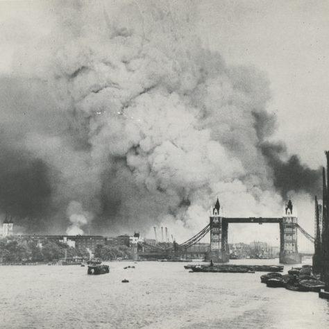 Bombing the Docks September 1940 | Imperial War Museum