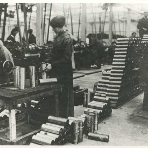 Women in munitions factory