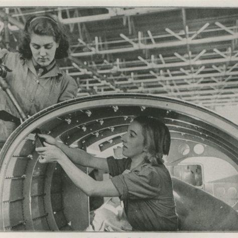 Riveting a rear fuselage