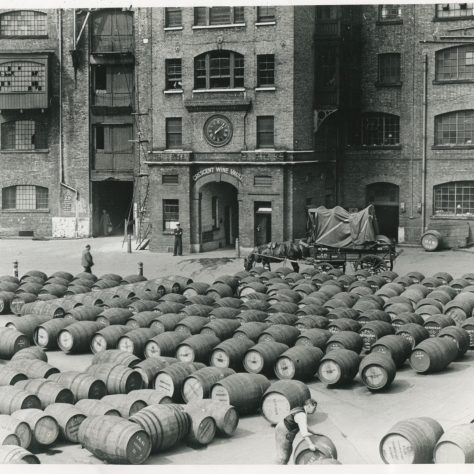 London Docks Crescent Wine Vaults 1930s | Museum in Docklands Project
